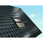 Roto centre-pivot roof window Designo R6 timber