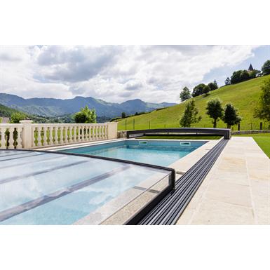 Confort Low Pool Enclosure