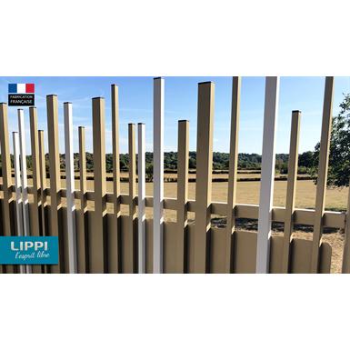 random top and aligned bottom stem® wall fence
