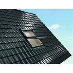 Roto centre-pivot roof window Designo R6 timber
