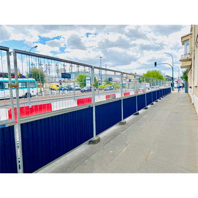 traffic barrier - construction fence - recycled / recycling fencing