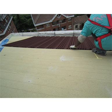 Onduline ETICS for concrete slab roofs finished with curved tiles